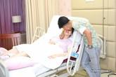 Phan Hiển vào viện chăm sóc Khánh Thi lúc đêm muộn