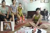 Chuyện về cô gái dành 367 ngày để thêu một bức tranh bằng… chân