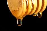 Mật ong là loại kem dưỡng ẩm tốt nhất để đối phó với mụn trứng cá và khô da