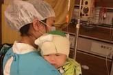 Phép màu đến với bé sinh non, sau 6 lần phẫu thuật