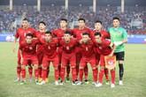 Coca-Cola trao tặng lon vàng thay lời chúc mừng đến đội tuyển Việt Nam