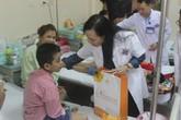 Bộ trưởng Bộ Y tế tặng quà Trung thu bệnh nhi ung thư
