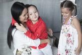 Hồng Nhung: 'Chồng cũ gọi điện hỏi thăm con hàng ngày'