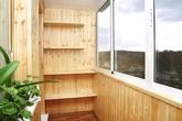 Thiết kế tủ lưu trữ xinh xắn ở ban công chỉ với 2m²