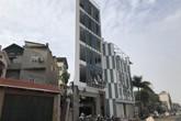 """Hà Nội: Những ngôi nhà hình thù """"kỳ dị"""" trên phố Phạm Văn Đồng"""