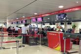 Phạt tiền hành khách tát nhân viên hàng không vì phải xếp hàng làm thủ tục