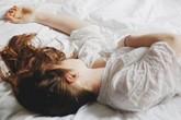 Khoa học chứng minh: Ngủ kiểu này sớm muộn cũng dẫn đến bệnh mất trí Alzheimer
