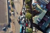 Video: Ô tô nối đuôi nhau nhích từng mét qua công trường thi công đường đua F1 tại Hà Nội