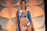 Hoàng Thùy đọ dáng với bikini bên các đối thủ Miss Universe