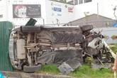 Hà Nội: Hiện trường kinh hoàng vụ tai nạn giữa xế hộp Mercedes tông hàng loạt xe máy tại đường Xuân Thủy