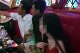 Chánh văn phòng huyện ủy, chủ tịch xã bị kiểm điểm vì quay clip ở karaoke