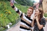 Vợ Đăng Khôi động viên chồng diễn tình tứ với mỹ nhân Hàn