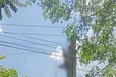 Kinh hoàng phát hiện người đàn ông bị điện giật, treo ngược trên cột điện