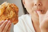 Tránh xa thực phẩm gây dậy thì sớm ở trẻ
