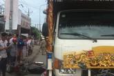Trên đường tới công ty, nam công nhân bị xe tang cán chết