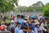 Nhiều người dừng xe livestream thi thể người phụ nữ dưới kênh Nhiêu Lộc-Thị Nghè khiến giao thông hỗn loạn