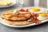 Ngày Tết nếu ăn sáng theo cách này bạn sẽ tăng cân vù vù