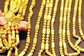 Giá vàng hôm nay 1/10: Đồng loạt tăng cả trong nước và thế giới, chuyên gia khuyên mọi người nên nắm giữ vàng