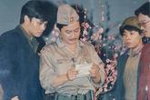 """""""Ông trùm"""" Trần Đức kỷ niệm Giải phóng thủ đô với loạt ảnh hoài niệm trong vở kịch Lưu Quang Vũ"""