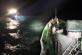 Nghệ An: Cứu 6 thuyền viên cùng tàu cá gặp nạn trên biển