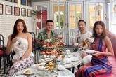 Cùng là đi cafe: Sao Hàn nhẹ nhàng giản dị, sao Việt lại lồng lộn như trẩy hội