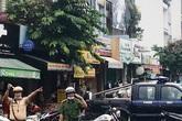 Công binh rà bom sau vụ cướp ngân hàng ở TP.HCM