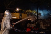 Huy động gần 100 cán bộ, chiến sĩ PCCC dập tắt vụ cháy kho hàng trong đêm tại Hà Nội