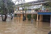 Học sinh các trường còn ngập lụt tiếp tục nghỉ học đến khi nước rút