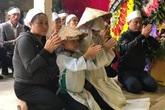 Xúc động hình ảnh hàng nghìn người dân Hà Tĩnh đưa tiễn liệt sỹ thuộc Đoàn Kinh tế Quốc phòng 337 về với đất mẹ