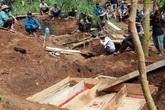 Hiện trường tang thương ở xã Trà Vân, nơi sạt lở làm 8 người tử vong