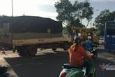 Nằm dưới gầm sửa xe, tài xế bị xe container đâm tử vong