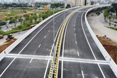 VIDEO: Cận cảnh đường Vành đai 3 trên cao đẹp như tranh vẽ sắp thông xe ở Hà Nội
