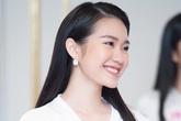 Thí sinh Hoa hậu Việt Nam 2020 mê piano, IELTS 7.0, muốn là luật sư