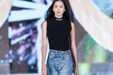 Nhan sắc thật khi để mặt mộc của Hoa hậu Tiểu Vy, Đỗ Mỹ Linh gây chú ý trong buổi diễn tập cùng dàn thí sinh Hoa hậu Việt Nam 2020