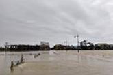 Một sinh viên thiệt mạng khi vượt dòng nước lũ bằng xe công nông
