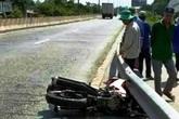 Xe tải va chạm xe máy làm chết sản phụ rồi bỏ chạy
