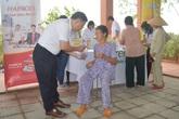 Dược Hậu Giang cùng 27 bác sĩ tình nguyện đến Huế giúp người dân vùng lũ