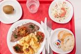 Trẻ tiểu học ở Pháp ăn gì trong bữa trưa?