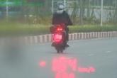 Nam thanh niên cố tình tông CSGT khi đang chạy xe máy với tốc độ 104 km/giờ