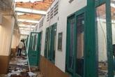"""TP.HCM: Trường THPT Bình Phú bị giông lốc """"càn quét"""", học sinh sẽ học tạm các điểm trường khác trong quận"""