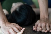 Quen qua Facebook, nam thanh niên đột nhập nhà hiếp dâm thiếu nữ