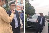 Say rượu, người đàn ông điều khiển ô tô đâm móp xe taxi bị CSGT yêu cầu thổi nồng độ cồn