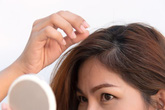 3 cách trị tóc bạc, rụng tóc dễ mua, dễ làm lại hiệu quả cho người trẻ tuổi