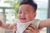 """Con trai Hoa hậu Đặng Thu Thảo lại """"đốn tim"""" fan với nụ cười đẹp như thiên thần"""