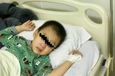 Hải Phòng: Uống nhầm dầu hỏa, bé trai 3 tuổi nhập viện cấp cứu