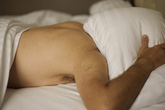 Con trai mới 18 tuổi đã bị ung thư trực tràng, cha mẹ sốc khi biết nguyên nhân