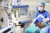 Hiệp hội bệnh viện Mỹ cảnh báo thiếu hụt máy thở nếu người nhiễm COVID-19 gia tăng