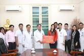 Ủng hộ chống COVID-19, ca sĩ Chi Pu chọn bệnh viện Việt Đức để lắp đặt miễn phí phòng cách ly áp lực âm