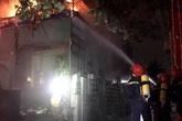 Nghệ An: Ngôi nhà 2 tầng với nhiều hàng hóa điện tử cháy lớn