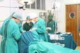 Bệnh nhân nguy kịch may mắn thoát 'cửa tử' nhờ được cứu sống… từ xa